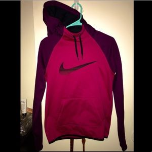 Nike therma fit pull over hoodie